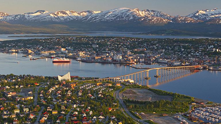 Har du lyst å være ungdomsarbeider i Tromsø?