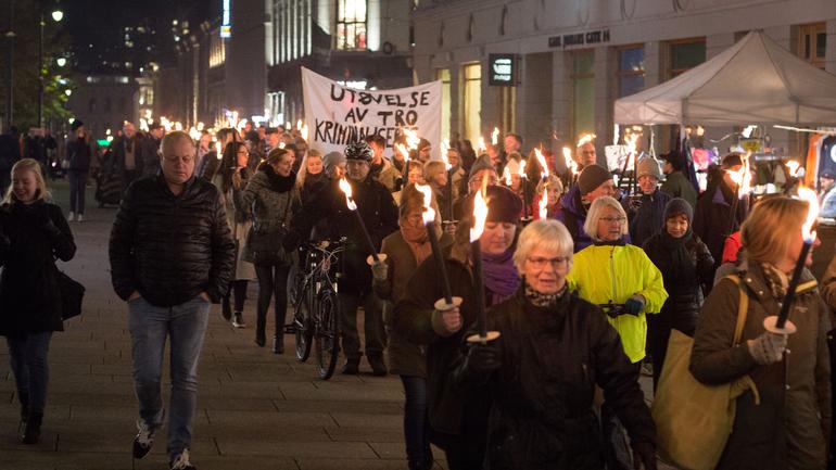 November for forfulgte kvinner